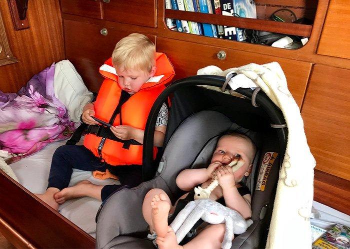 Frieda Fennel zeilen met kinderen