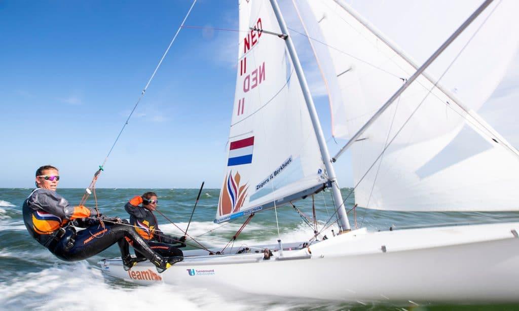 Afrodite Zegers en Lobke Berkhout 470 zeilsters TeamNL