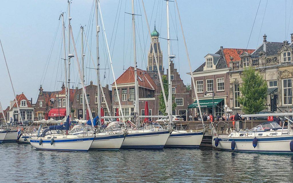 De Hallberg Rassy Connectie in de oude haven van Enkhuizen
