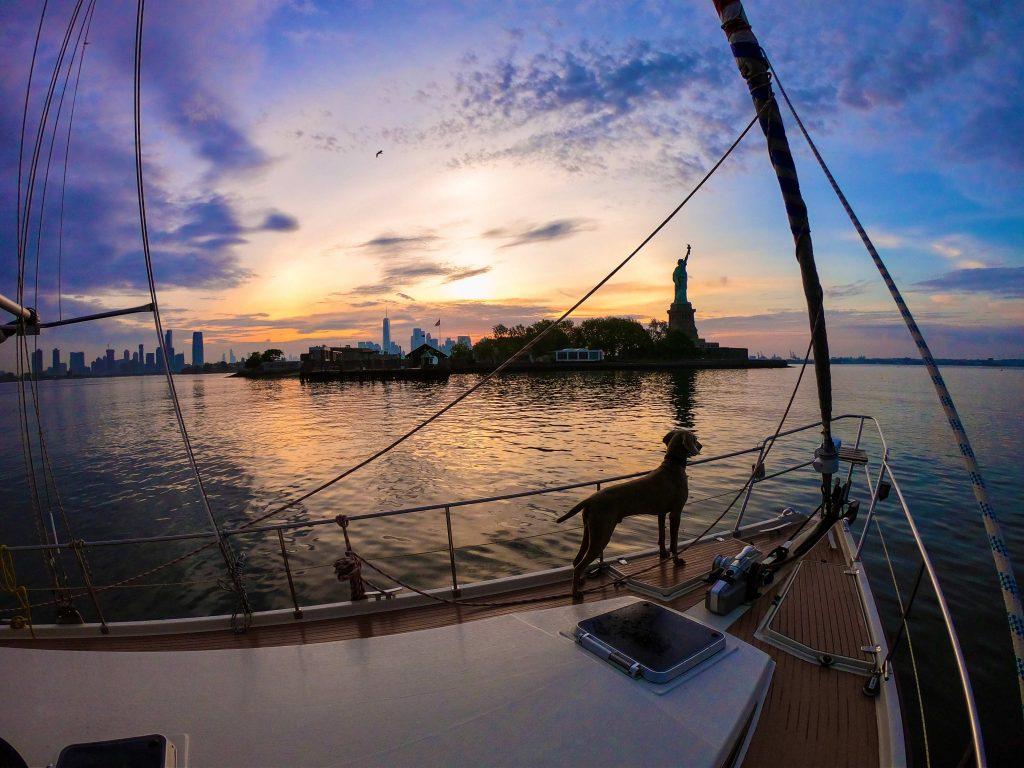 Ker Marie met zonsondergang in New York