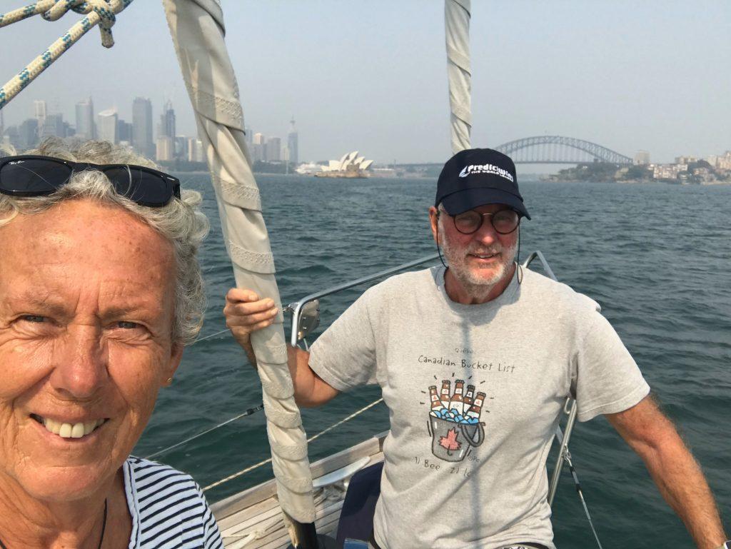 Zeilen in de haven van Sydney