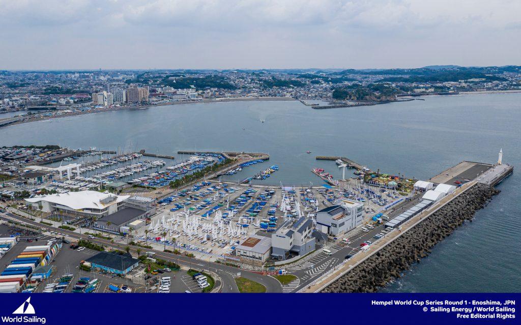 Gaan de Olympische Spelen door in 2021? Olympische baai Enoshima