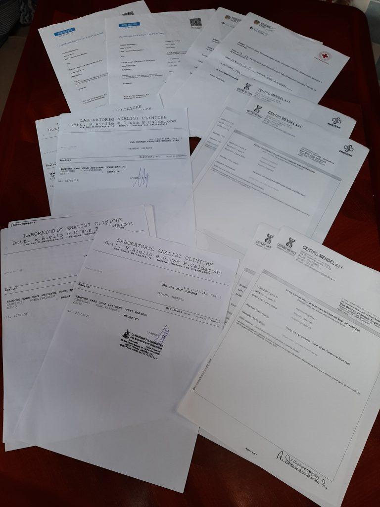 Papieren voor terugvlucht naar Nederland