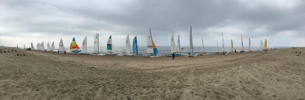 Dart 18 catamarans klaar voor de strijd Den Haag