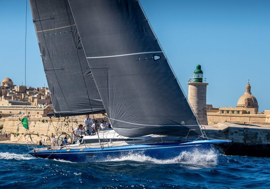 Balthasar bij de start van de Rolex Middle Sea Race