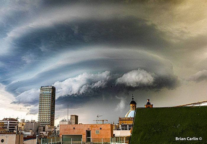 Wolken boven Alicante