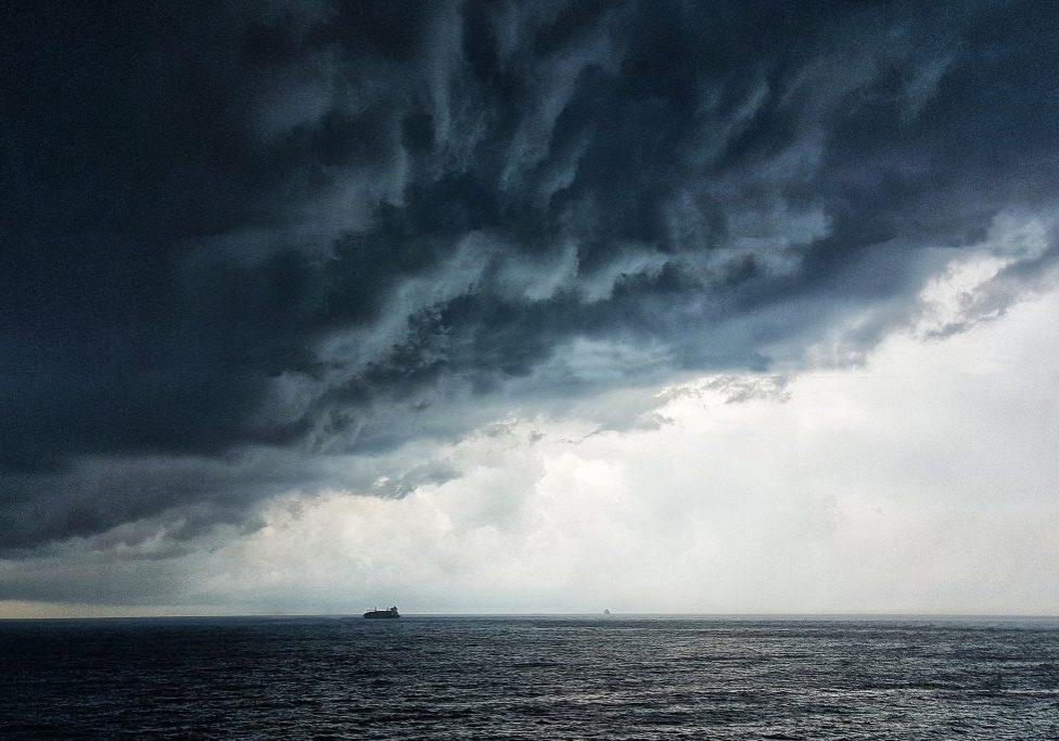storm op zee nimos